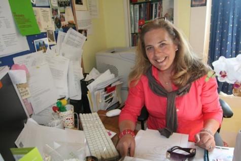 Former dean, teacher ends 38-year career at CSH