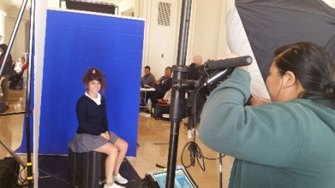 Seniors take relaxed school ID photos