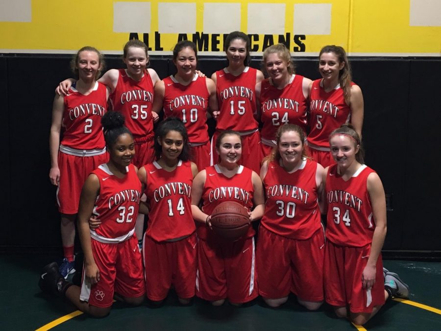 The+varsity+basketball+team+gathers+before+their+second+game+of+the+2018+Lady+Hornet+Classic+tournament+in+Redding%2C+Calif.+They+played+three+games%2C+losing+on+Thursday+25-67+and+winning+on+Friday+51-48+and+Saturday+53-40.+