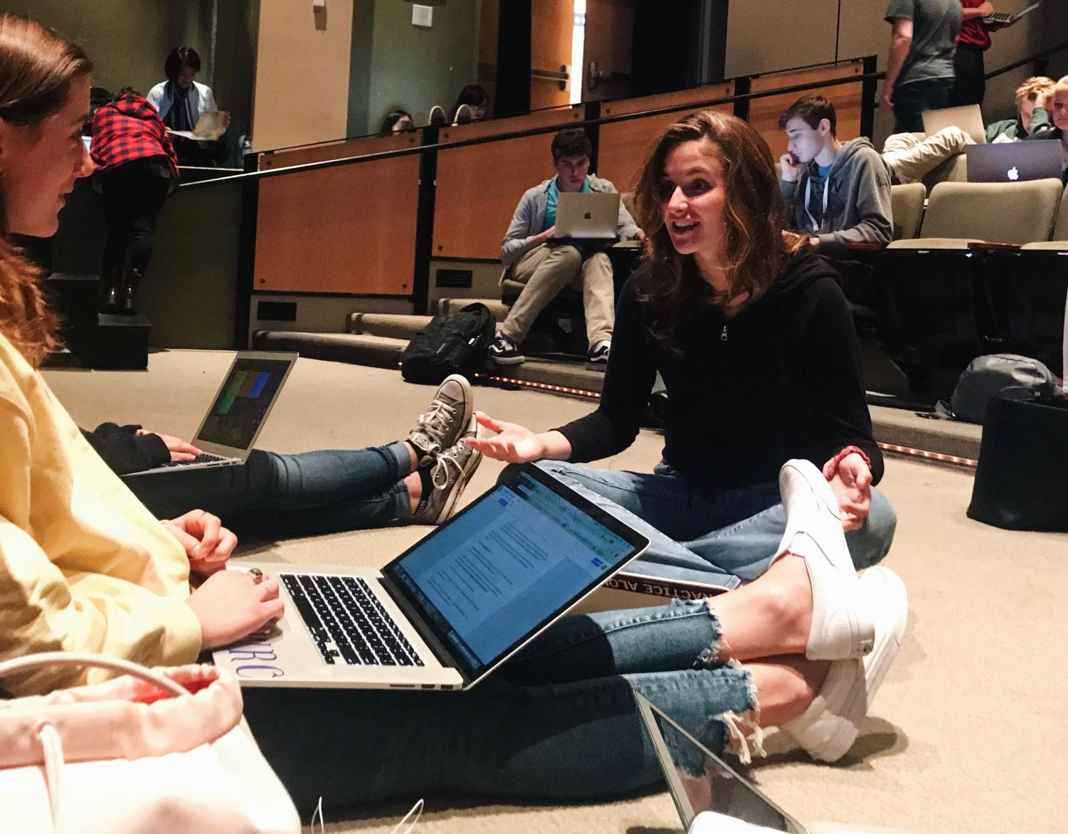 Seniors Wellsley Cohen and Natalia Varni work on college applications during the college counseling workshop. They specifically focused on writing their supplemental essays today.