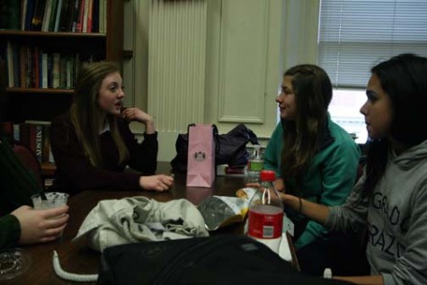MAGGIE CUMMINGS | the broadview Sophomore Lily Kaplan talks to rising sophomore Francisca Bayer at lunch. Bayer lived and attended classes with freshman Cate Svendson but later during her stay she attended Women's Studies, French and an Art Class on her own. It is summer for students in Chile, but the visitors from Reñaca are taking a few different classes at Convent that will not count for credit.