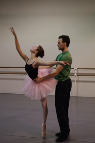 Students prepare for 'Nutcracker', both performing and backstage