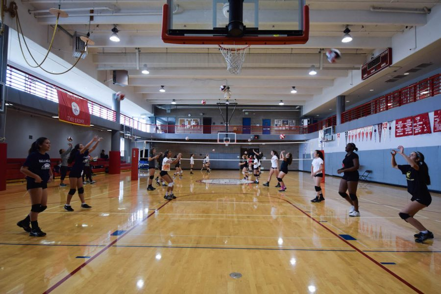 Volleyball+and+cross-country+teams+get+a+head+start+on+tryouts%2C+training