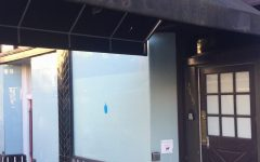 Previous Tully's Coffee, Blue Bottle undergoes renovation before opening to the public, including students. The space has been vacated for three years.