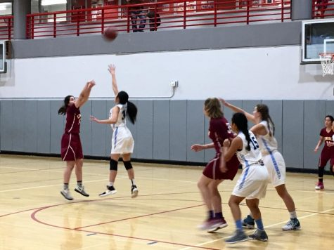 Lincoln shoots on Bay during the first of the 11 games of the Classic. Convent's first game will be against the winner of this game at 5:30 p.m. on Friday.