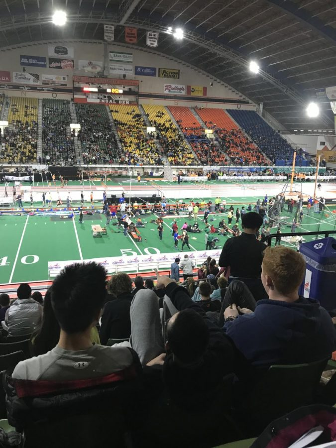 Eleven Convent & Stuart Hall runners competed their first meet of the 2018 season at the 40th annual Simplot Games in Idaho. The team compete on an indoor track constructed of wood which is only 200 meters long compared to a standard 400 meter track.