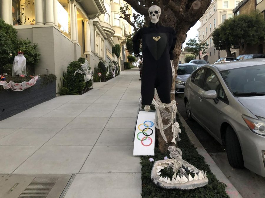 200 Laurel St. decorates their house with all sorts of sports-themed skeletons and props. A few baseball players, a diver, a sports fan and more skeleton athletes lined the house.